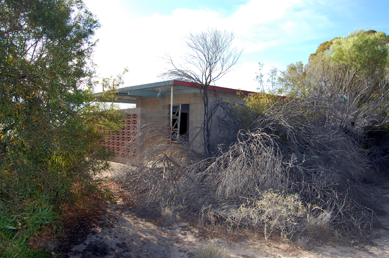 Menindee Lakes abandoned swimming site 2